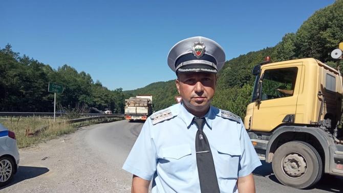"""Инспектор Чавдар Кочев, служител в отдел """"Пътна полиция"""" при Главна"""