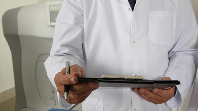 Съдът отстрани д-р Георги Кръстев от ЛКК по ортопедия