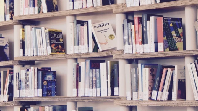 Издателство дари над 500 тома литература за благотворителния фестивал на книгата в Перник