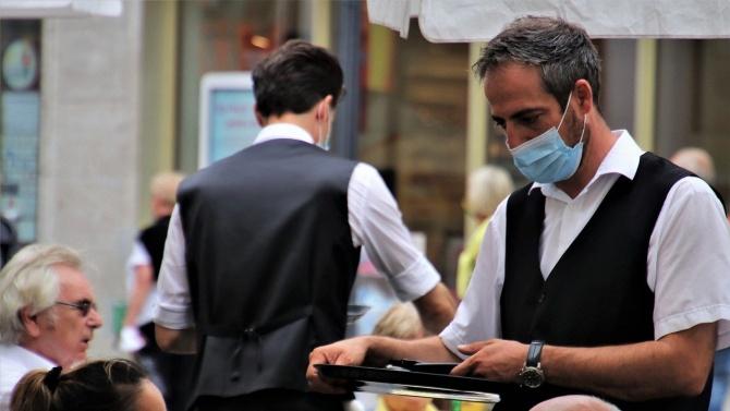 Половината заведения в България отчитат спад в оборотите между 40 и 50%