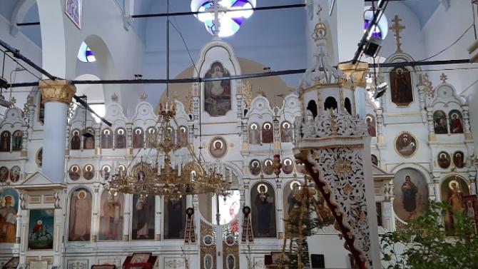 Празникът на Св. свещеномъченик Киприан събра в Казанлък църковни дипломати и миряни