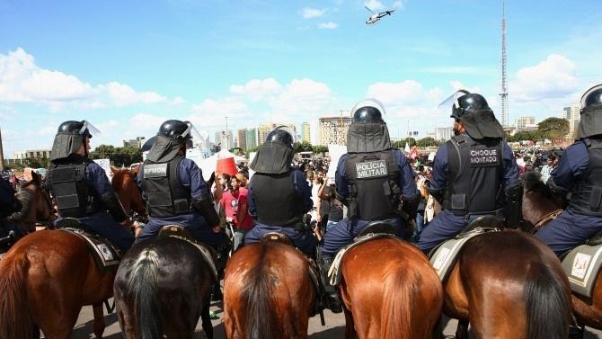 Над 1000 полицаи участваха в операция срещу най-голямата престъпна групировка