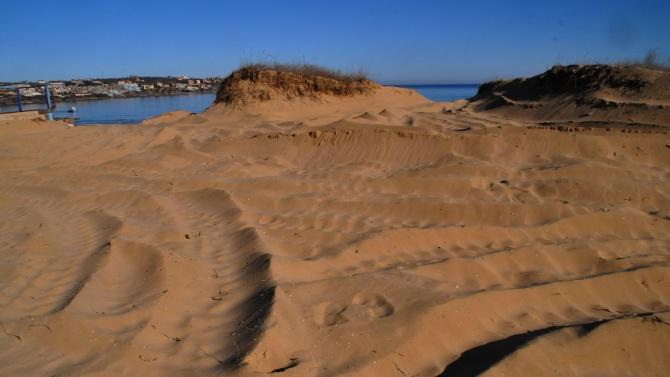"1000 лв. глоба заради разораните дюни на ""Ахтопол-север"""