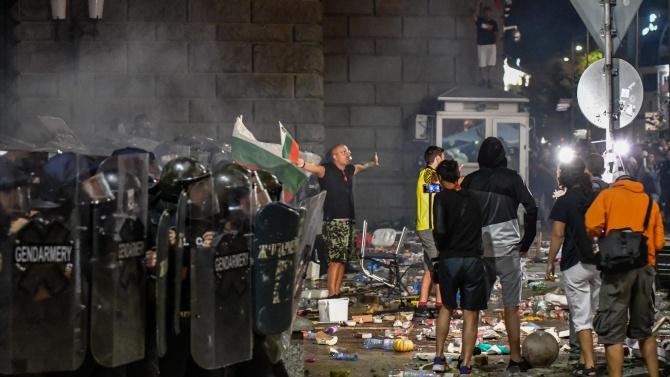 Мустафа Карадайъ: Да има протести, но те да са мирни
