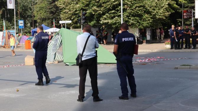 Разчистиха палатковия лагер пред Община Варна