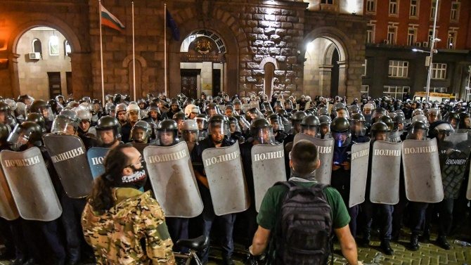 """""""Мярка подписка"""" за един от задържаните на протеста в сряда"""