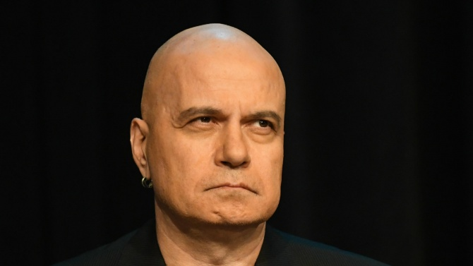 Слави Трифонов: Ще отидат ли утре Борисов и Гешев на дебат в Европейския парламент?