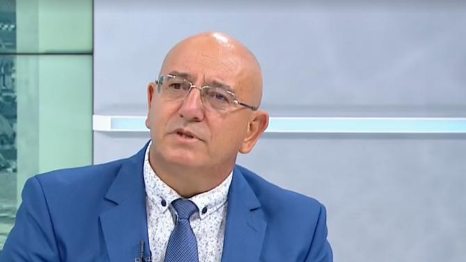 Емил Димитров: Ако премиерът каже оставаме, оставаме