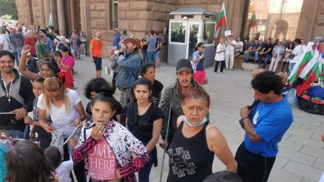 Тумба роми подкрепи протеста на жълтите павета