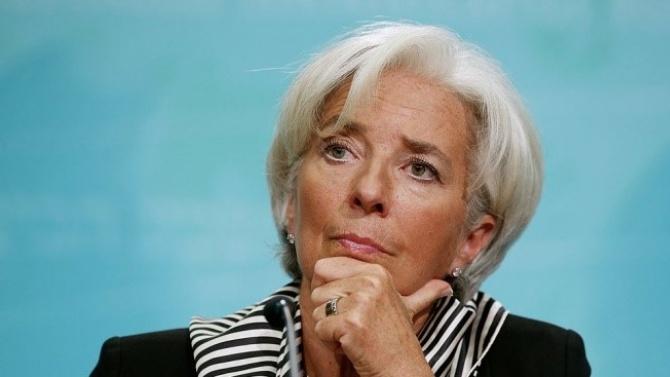 ЕЦБ очаква малко по-плитка рецесия през тази година