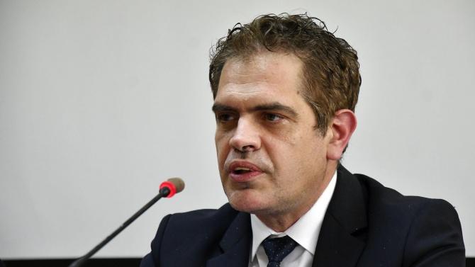 Министърът на икономиката Лъчезар БорисовЛъчезар Борисов е роден през 1978