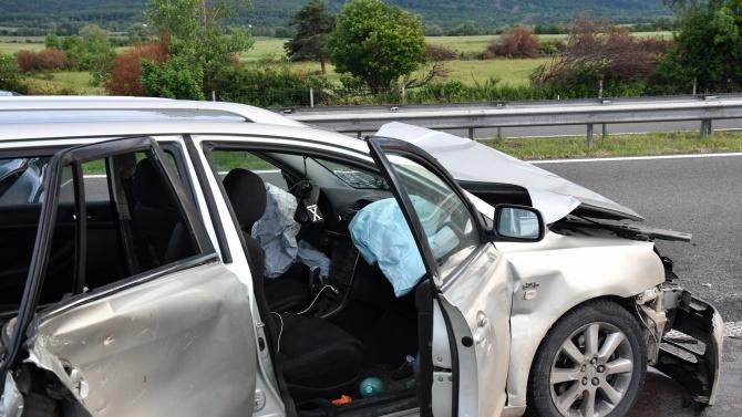 Пияна и без книжка жена катастрофира край Велико Търново