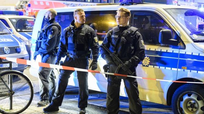 Шофьор беше намушкан с нож в Германия, полицията не изключва възможността за ислямски екстремизъм
