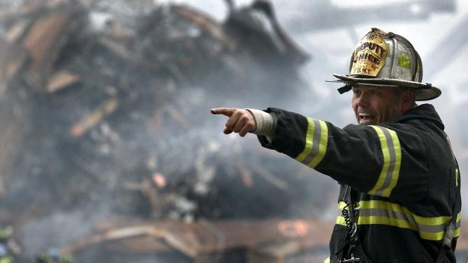 Пожарникари са успели да овладеят пожара на пристанището в Анкона