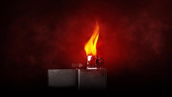 Мъж подпали жена си докато спи