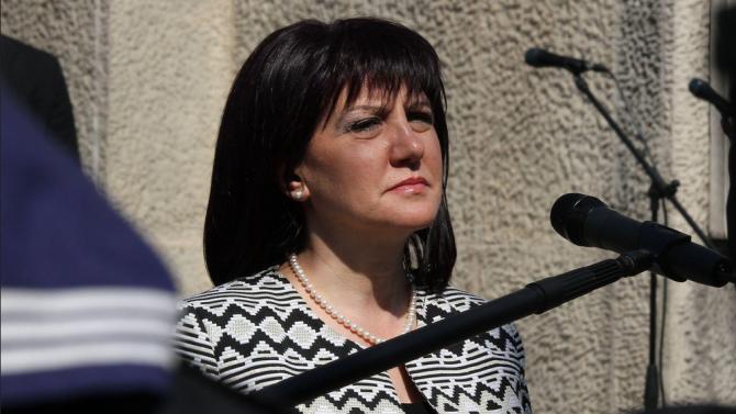 Караянчева ще произнесе тържественото слово в Търново по повод 112-ата годишнина от обявяването на Независимостта