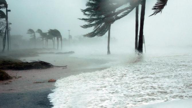 Ураганът Сали достигна югоизточната част на САЩ