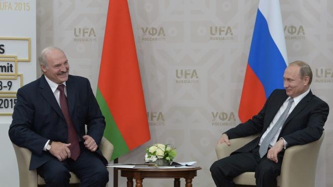 Лукашенко каза, че е поискал от Путин нови оръжия за Беларус