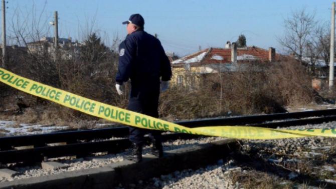 Жена скочи под бързия влак между гарите Септември и Белово