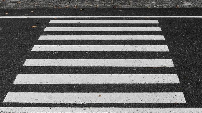 76-годишен беше блъснат на пешеходна пътека в Плевен