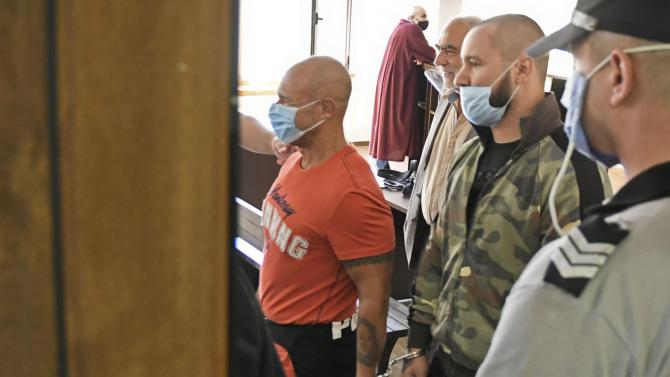 Постоянен арест за шестимата обвинени за участие в група за лихварство и рекет