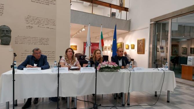 Марияна Николова: Интересът на чужденците към здравния ни туризъм е голям
