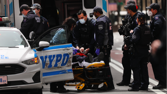 Двама младежи бяха убити и 14 бяха ранени при стрелба в щата Ню Йорк