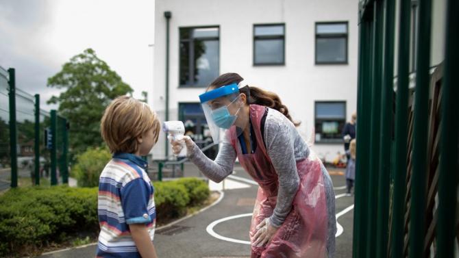 Дете и част от персонала на детска градина в Монтана са заразени с коронавирус
