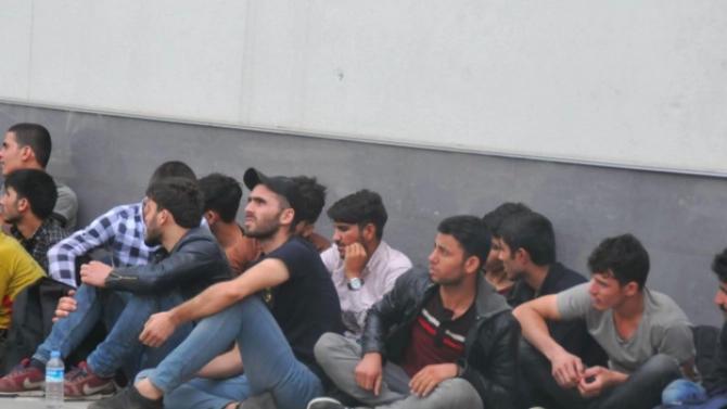В Северна Македония осуетиха опит за трафик на 28 нелегални мигранти