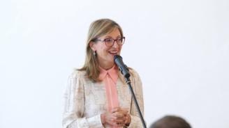 Захариева: Все повече студенти от Украйна избират да учат в България