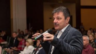 Д-р Симидчиев разкри ще станат ли училищата центрове на COVID-19