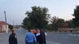Десислава Атанасова показа как съветници от ДПС в Исперих нападат с палка депутат