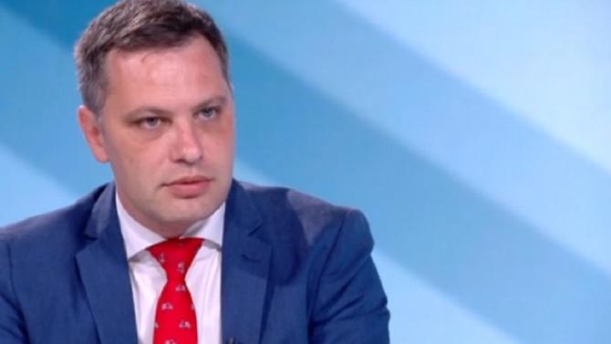 Александър Сиди: Конституцията никъде не забранява да се пита народът