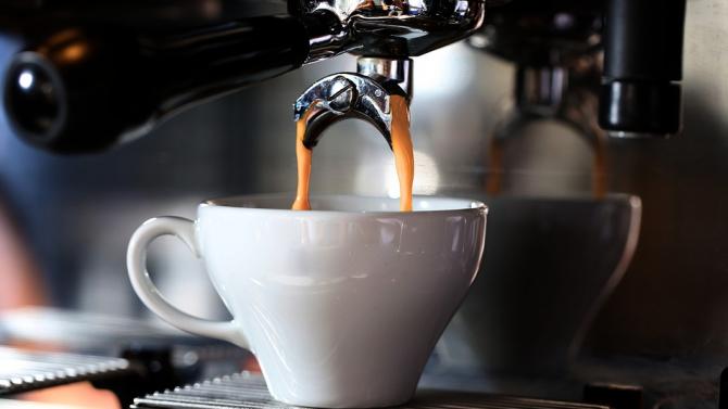 Консумацията на няколко чаши кафе дневно се свързва с удължаване