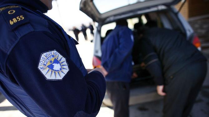35 души са арестувани при акция на косовската полиция срещу