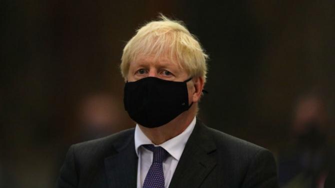 Британското правителство отхвърли твърденията, че Борис Джонсън пътувал тайно доПеруджа