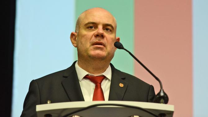 Главният прокурор направи първи коментар относно доживотните присъди на двамата