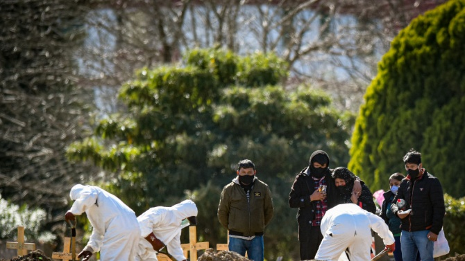 Аржентина регистрира рекорден брой жертви на коронавируса