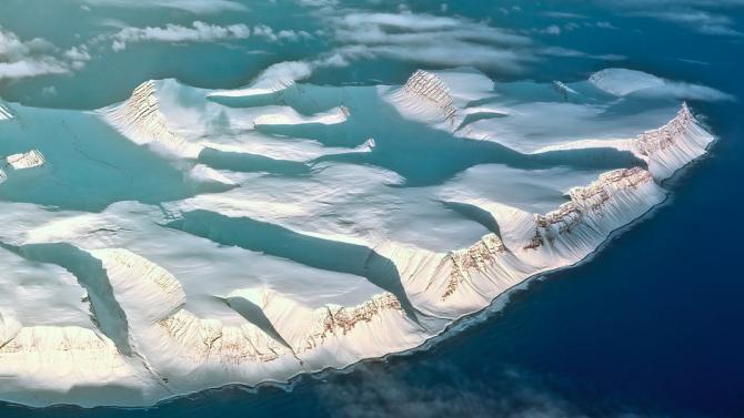 Арктическият лед се сви до второто най-ниско ниво, откакто се събират данни
