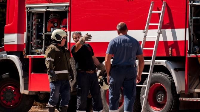 Пожар пламна във варненски квартал