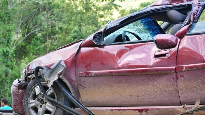 Тежка катастрофа с жертва и ранени край Костинброд