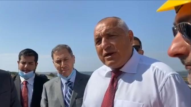 """Борисов инспектира """"Балкански поток"""" и с джипката, призова президента да дойде и види как се строи в """"провалената"""" държава"""