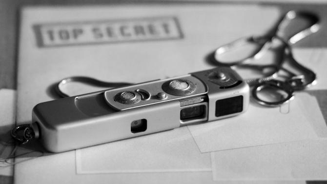 Разкриха двама руски шпиони у нас, плащали на българи за тайна военна информация