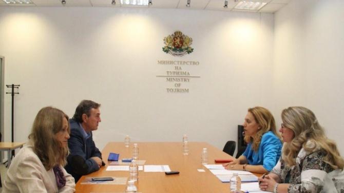 Вицепремиерът и министър на туризма проведе работна среща с председателя