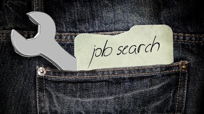 Близо 490 безработни в Разградско са намерили препитание през август