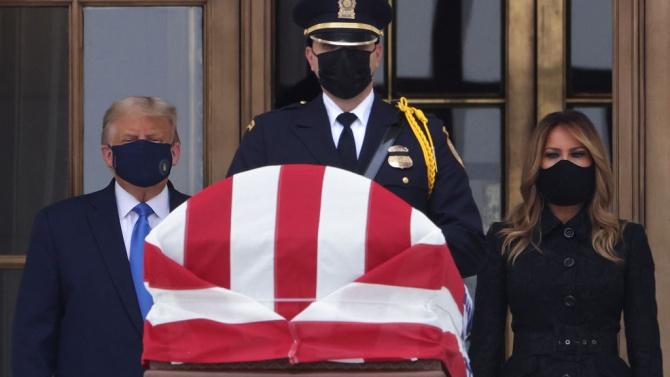 Тръмп почете паметта на съдия Рут Бейдър Гинсбърг