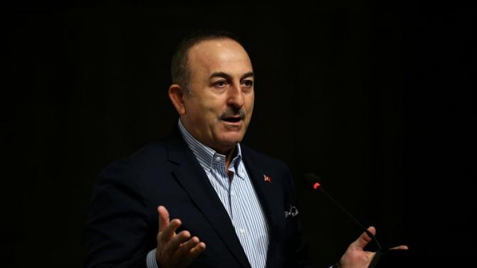 Чавушоглу вини Нанси Пелоси във фрапантно невежество, Турция не била КНДР