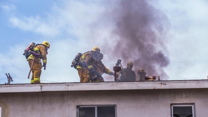 Досъдебно производство изяснява причините за пожар, при който е загинал мъж в Дебелец