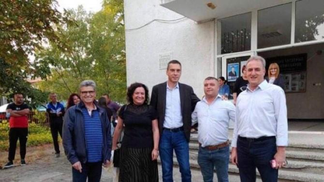 Димитър Николов подкрепи кандидата за кмет на с. Карагеоргиево Метин Латифов