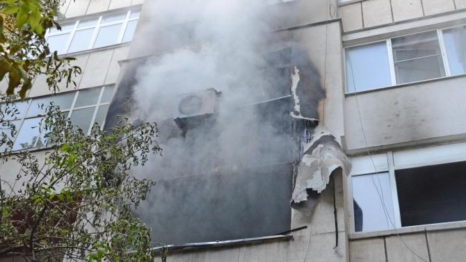 Газова бутилка избухна в жилищен блок в Бургас. Инцидентът е